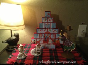 Advent puzzle calendar and knick-knacks