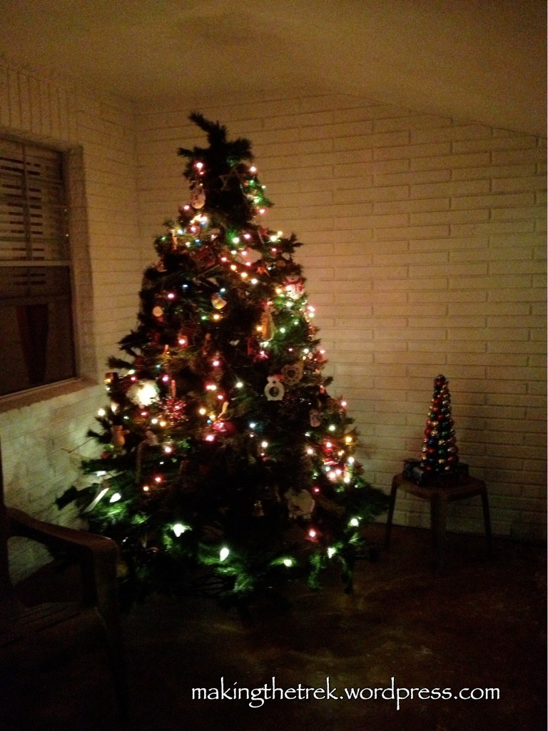 Love having a 2nd tree!  And this tree cost me $3 @ a garage sale a few years back!